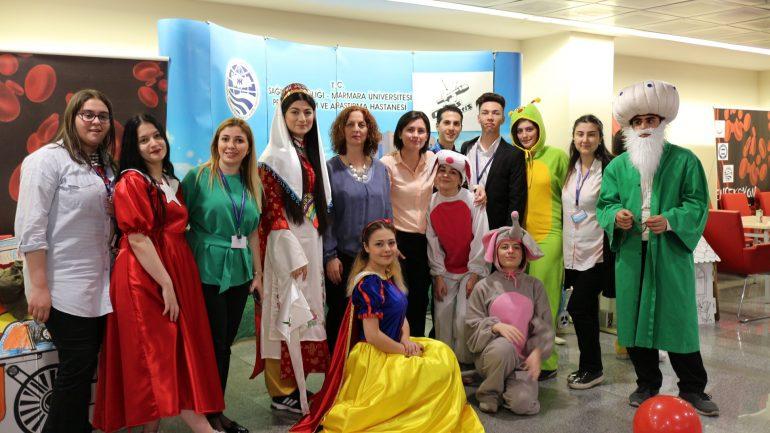 Marmara Üniversitesi Pendik Eğitim ve Araştırma Hastanesinde Yatan Çocuklara Yönelik Yapılan 23 Nisan Kutlamamız